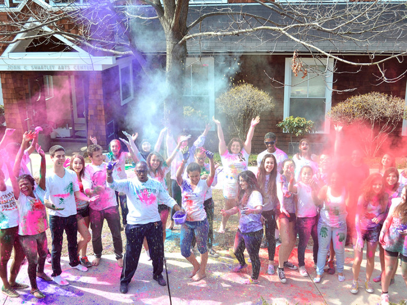 D-E-Today-Diversity---HOLI-Festival-of-Color-2014