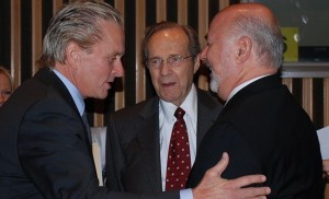 Granoff (right) together with actor and UN Messenger of Peace for Disarmament Michael Douglas (left) and former US Secretary of Defense William Perry (center).